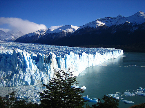 "<a href=""http://www.flickr.com/photos/rickmccharles/sets/72157612420033468/"">my Perito Moreno photos</a>"