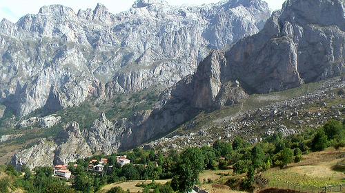 Picos-cliff