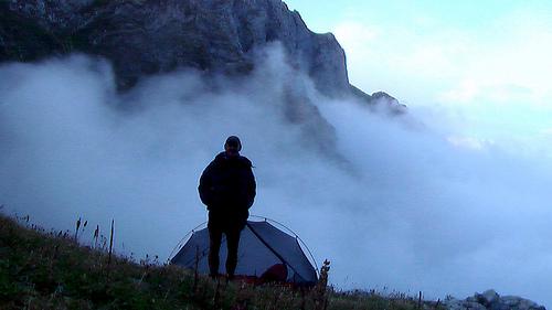 tent-mist