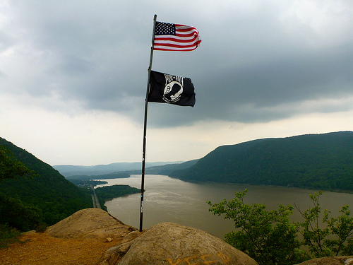Breakneck flag
