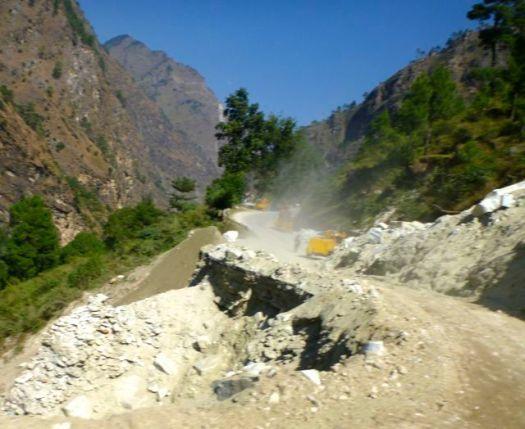road wash out near Joshimath Kuari day 6-2