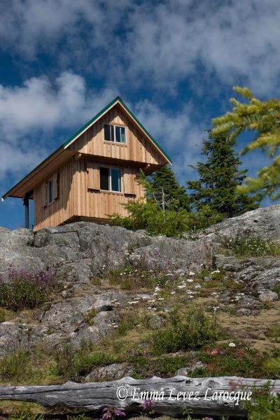 Tinhat hut