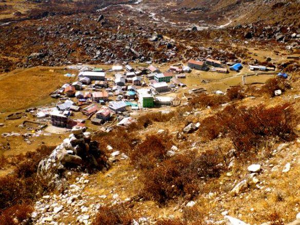 Kyanjin Gompa 3830m