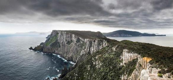 Cape Pillar Peninsula from the Blade (Photo courtesy of Stuart Gibson)