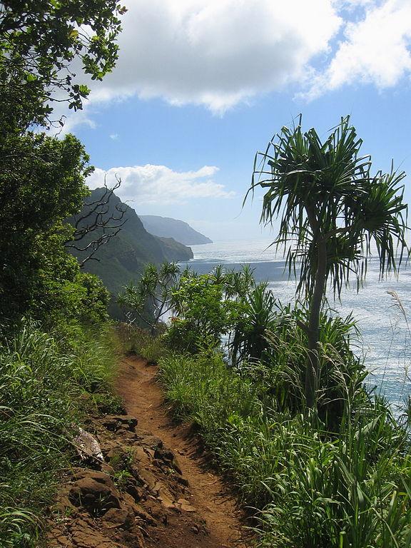 576px-Kalalau_Trail_2004-08-22