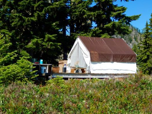 seasonal Ranger station 7 Lakes Basin