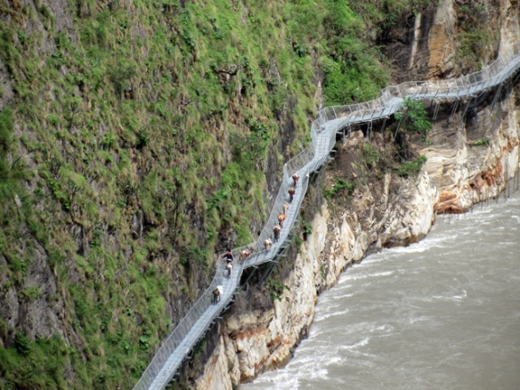 manaslu-circuit-bridge-2